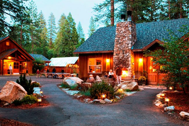 The 10 best mountain cabins and lodges to stay in during for Cabins in yosemite valley