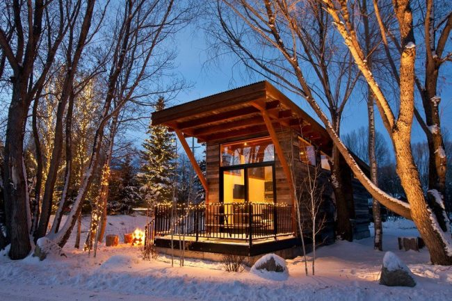 The 10 Best Mountain Cabins And Lodges To Stay In During